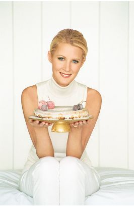http://www.foodmayhem.com/uploaded_images/Sandra-Lee-749320.JPG